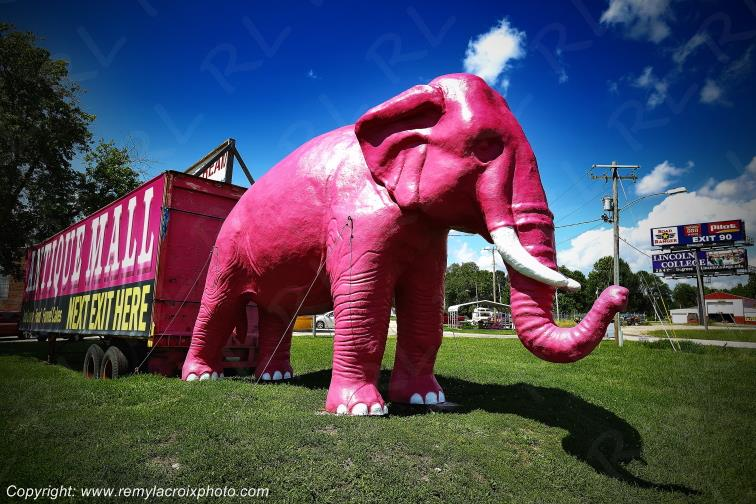 Pink Elephant Antique Mall,Route 66,Livingston,Illinois,USA